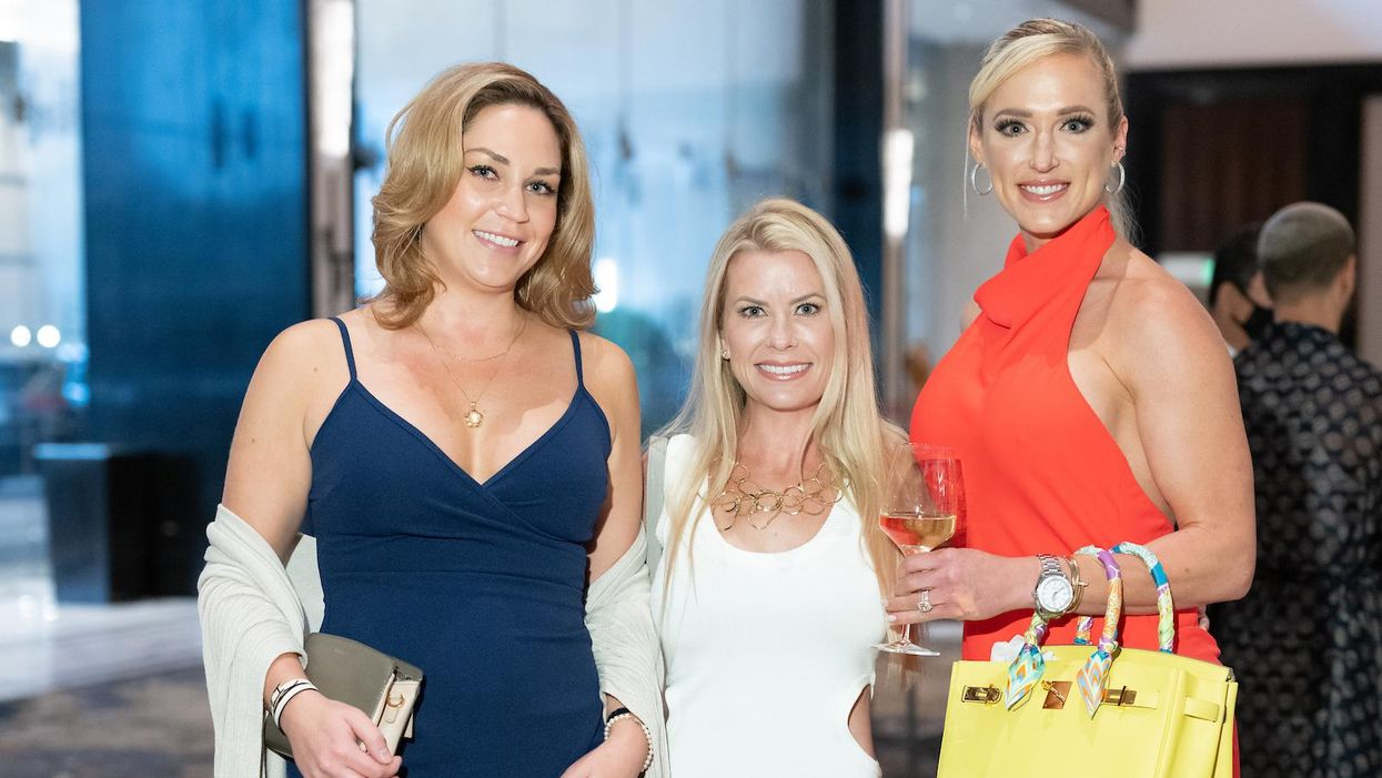 Chic Summer Soiree: White Wine Pairs Well with Summer Fashion at the Post Oak
