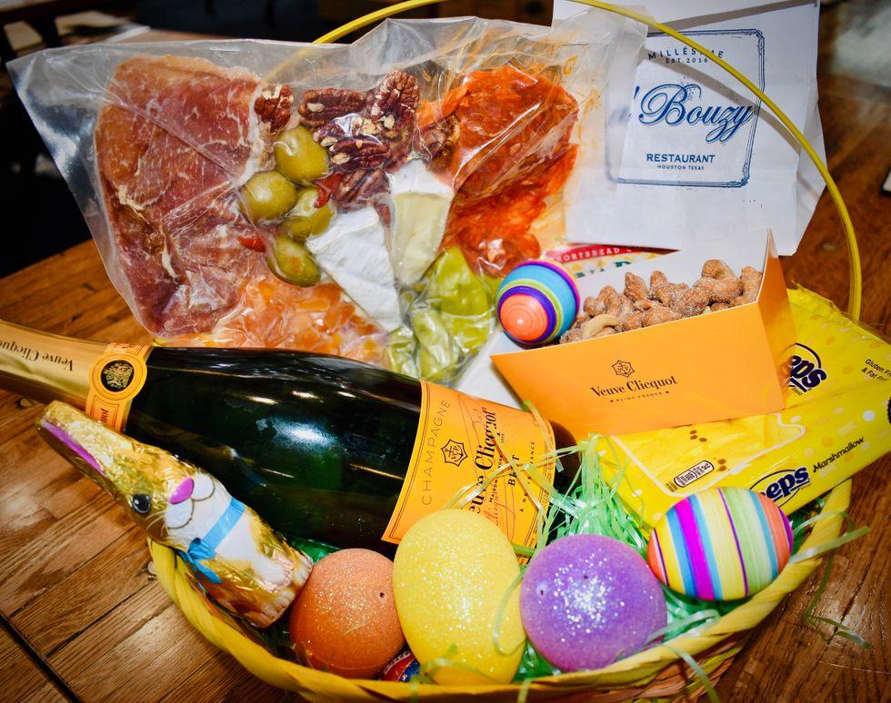 a'Bouzy Veuve Clicquot Easter Basket