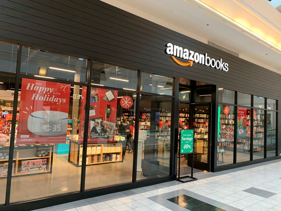 Amazon Opens Two Physical Stores in Houston
