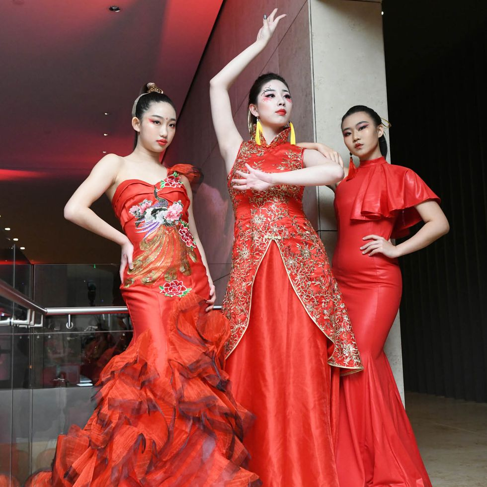Huaxing Arts Group performers