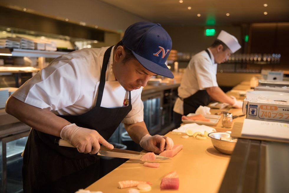 Nobu Houston_Exec Sushi Chef Eiji Saito at work