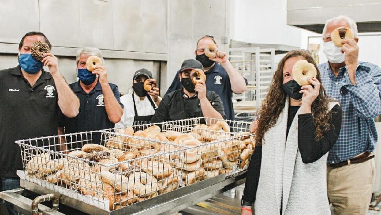 Meyerland's Popular Bagel Shop Bakery Opens Long-Awaited Bellaire Location