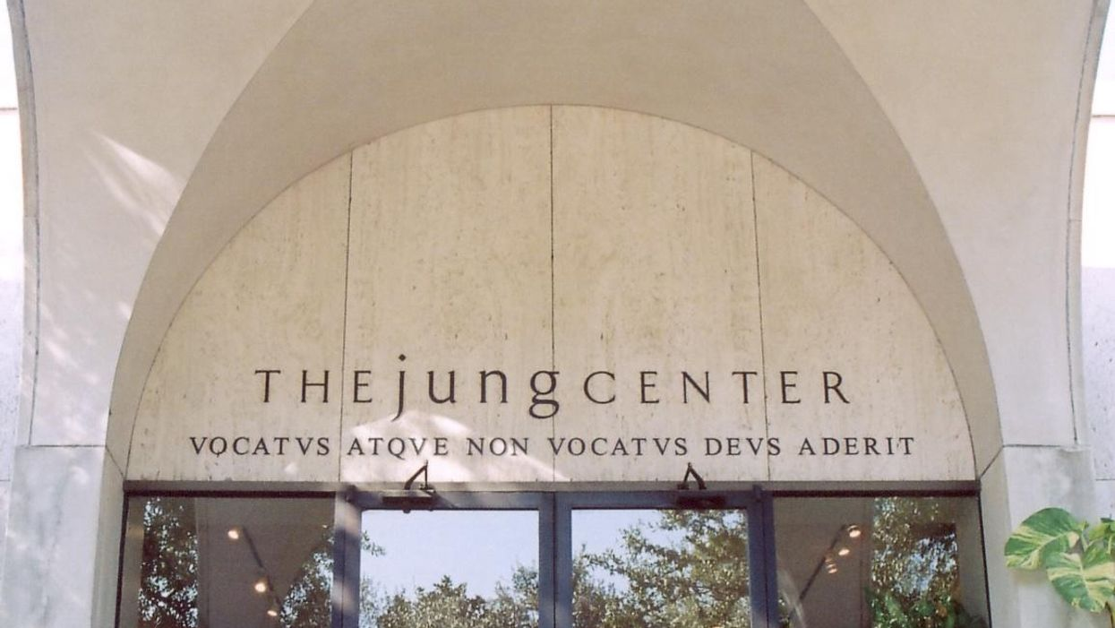 Filmmaker Judd Apatow to Be Featured Guest at Jung Center's Virtual Benefit