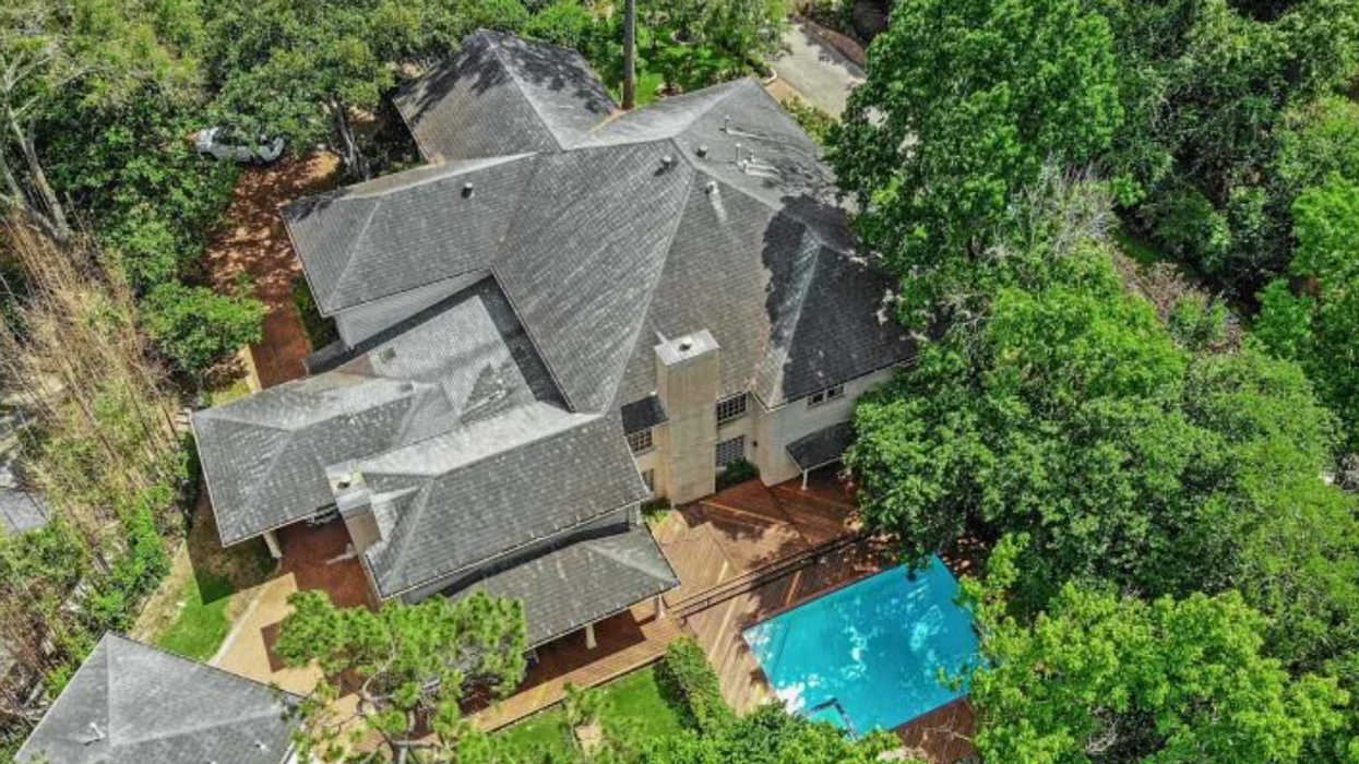 River Oaks Mansion with 'Park-Like' Grounds and Greenhouse Goes on Online Auction Block Next Month
