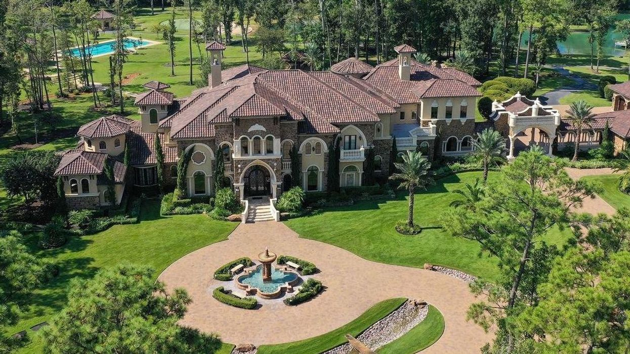 Resort-Like, 20-Acre Magnolia Estate Up for Auction — with No Opening Bid