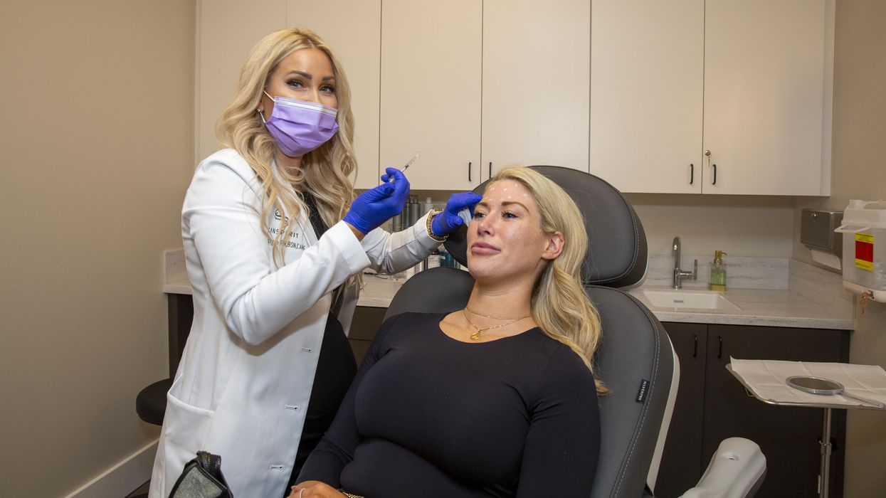 Hey, Gorgeous! Nation's Number-One Provider of Botox Opens in Rice Village