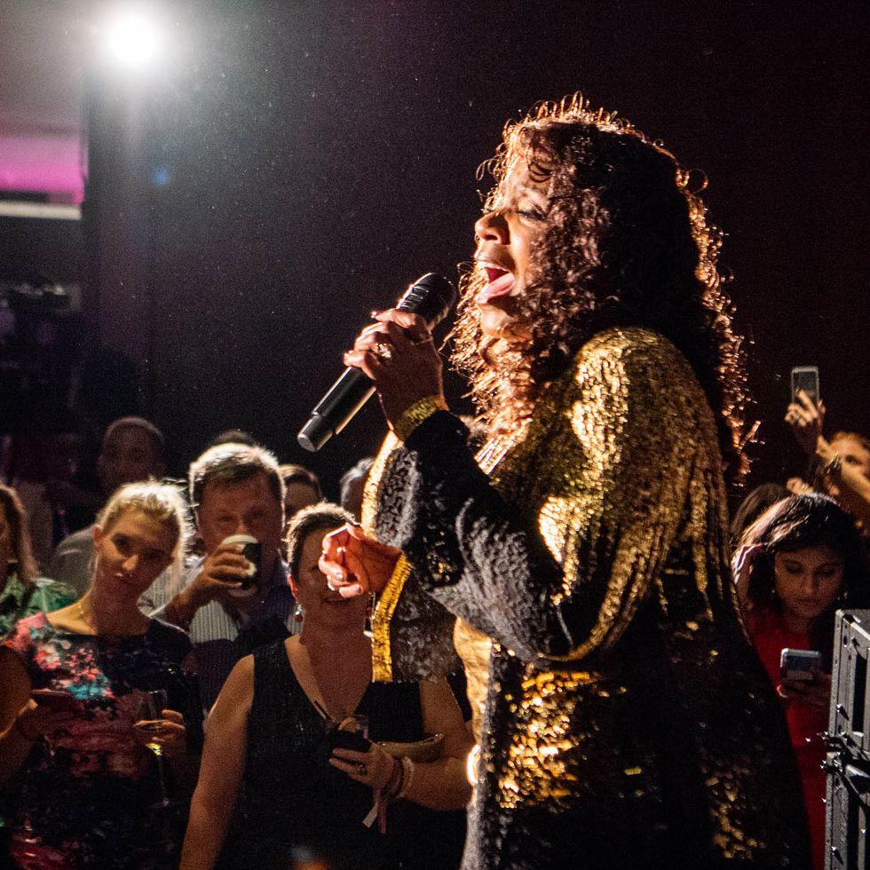 Gloria Gaynor Performs